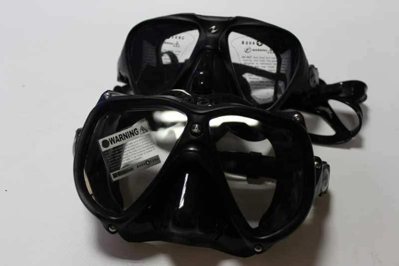 маски для подводной охоты черного цвета